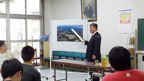 同じく5月末には和歌山の誇る「とれとれ市場」の社長 OB22期生の堅田君が第5回寮内講演会の講演を担当してくれました。短い時間でしたが、苦労話、これからの戦略など語ってくれました。